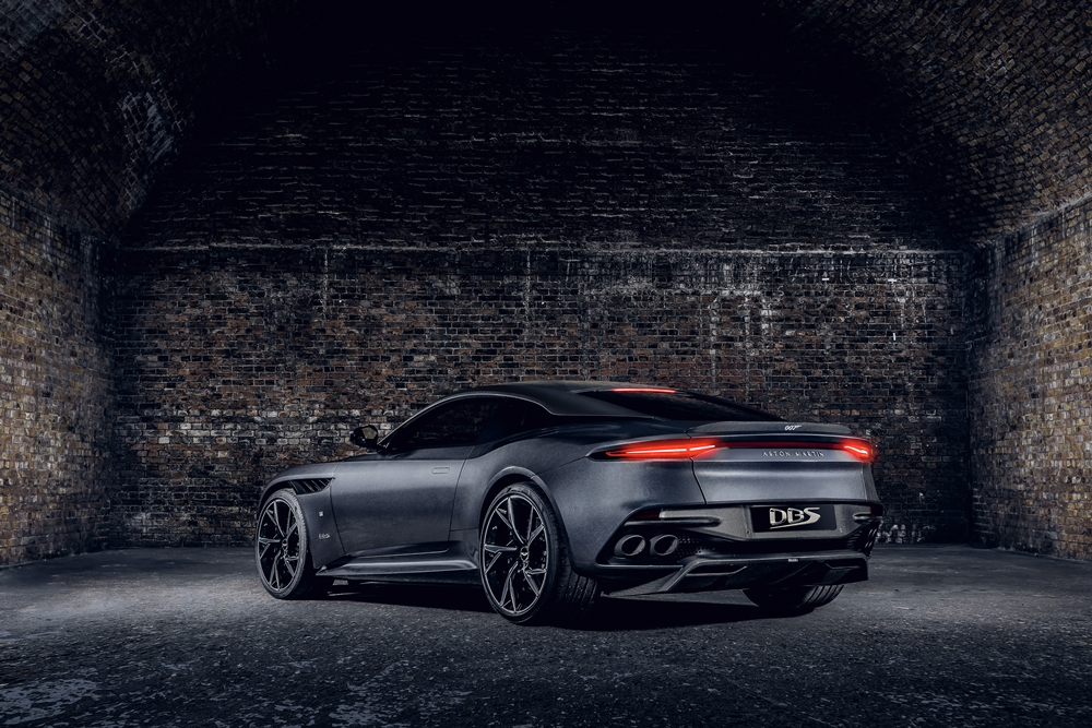 Aston-Martin-DBS-Superleggera-007-Edition_04