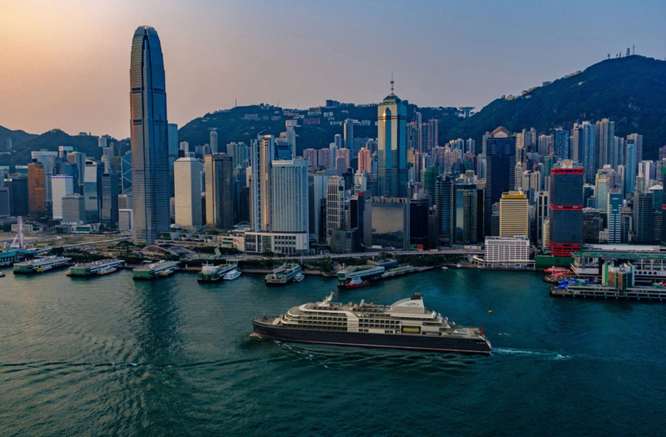 "STARCLASSsaca ala ventael CruceroVuelta al Mundode Regent SevenSeas Cruises ""Más allá delHorizonte"""